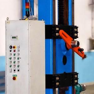 Ovládací pult navíječky drátů a lan